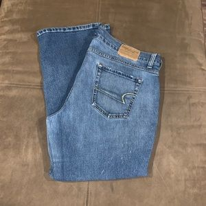 American Eagle Cropped Jeans Size 16